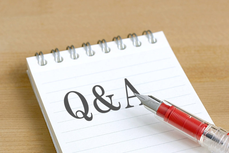 ノートに書かれた「Q&A」の文字